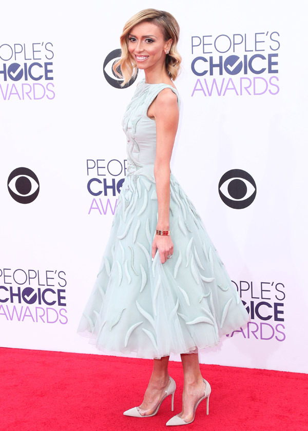 Giuliana Rancic arrives at the 41st Annual People's Choice Awards